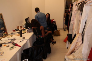 defile mode backstage makeup maquillage
